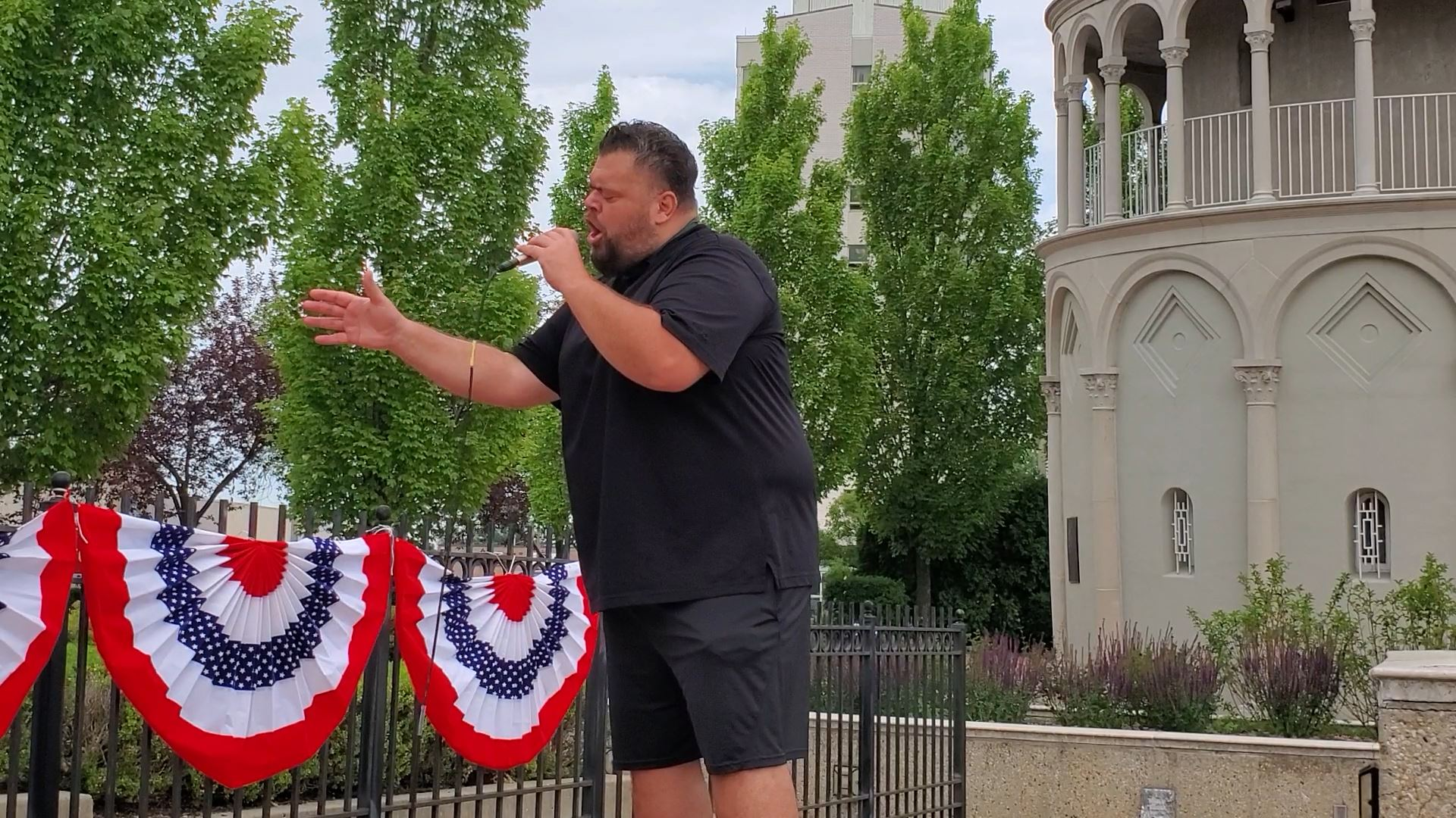 John Vincent sings for the Fourth of July at the Leaning Tower of Niles